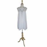 Noční košilka Judy s levandulovou výšivkou