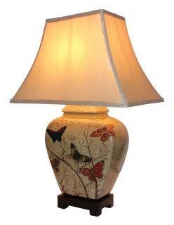Stolní keramická lampa - motýlí vzor